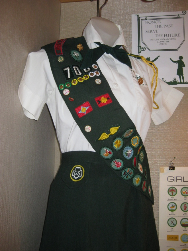 The first Cadette uniform was a variation on the alternate Intermediate uniform.