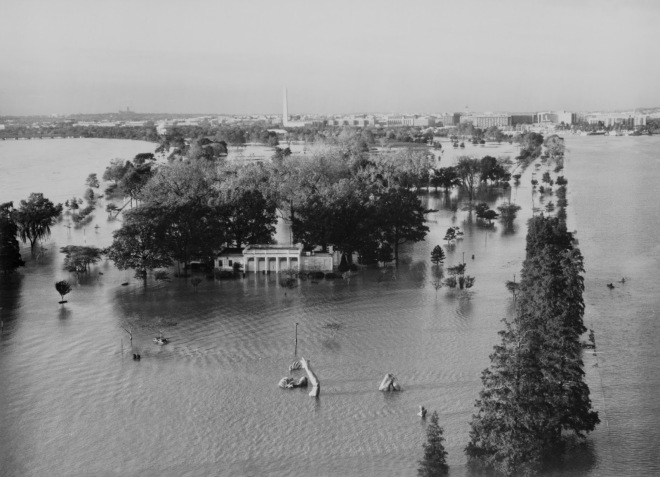 hains-point-flooding-1985-028696pu